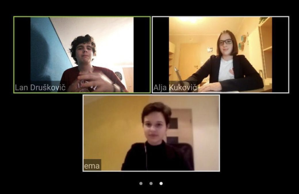 Naši debaterji navdušili na prvem on-line turnirju